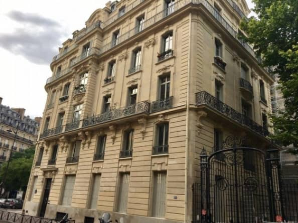 residencecourcelles03594x450